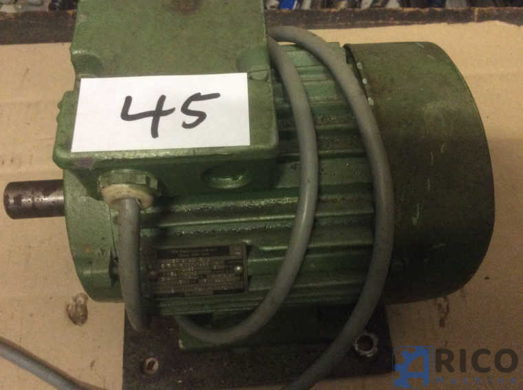 Drehstrommotor Nr. 45 VEB 1,5 KW IP 54 images - Arico Machine